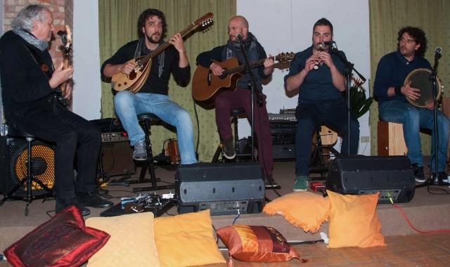 """Palazzo Chimirri - i Parafoné accompagnano il reading di """"Sette paia di scarpe"""", Serra S. Bruno (29 marzo 2014)"""